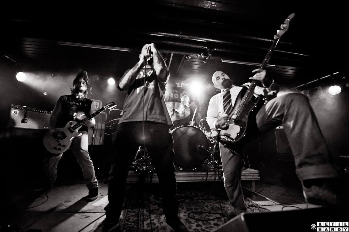Munkehaugen Kultursenter Metalkonsert Med Plain Og Lordagmatine Med Ask